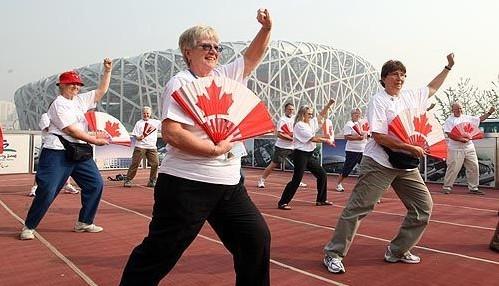 在鸟巢前表演 加拿大有人都很珍惜这个机会